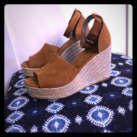 ade20511c2e Universal Thread Emery platform espadrille sandal